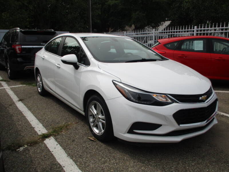 2017 Chevrolet Cruze for sale at SOUTHFIELD QUALITY CARS in Detroit MI