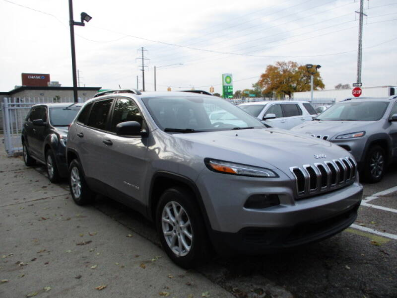 2017 Jeep Cherokee for sale at SOUTHFIELD QUALITY CARS in Detroit MI