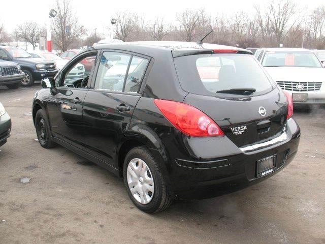2012 Nissan Versa for sale at BANK AUTO SALES in Wayne MI