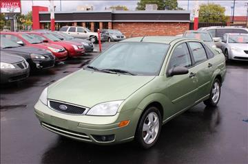 2007 Ford Focus for sale at BANK AUTO SALES in Wayne MI