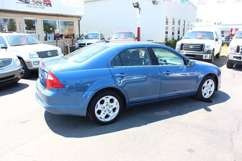 2010 Ford Fusion for sale at BANK AUTO SALES in Wayne MI
