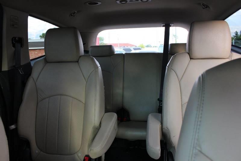 2012 Chevrolet Traverse for sale at BANK AUTO SALES in Wayne MI