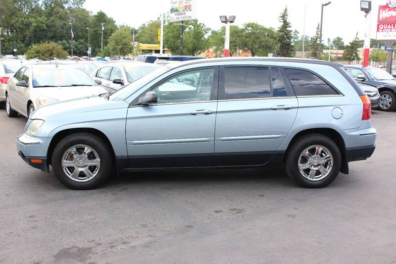 2005 Chrysler Pacifica for sale at BANK AUTO SALES in Wayne MI