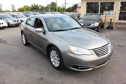 2013 Chrysler 200 for sale at BANK AUTO SALES in Wayne MI