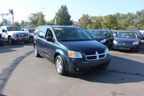 2009 Dodge Grand Caravan for sale at BANK AUTO SALES in Wayne MI