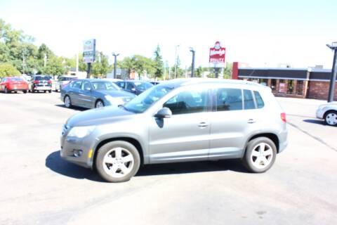 2010 Volkswagen Tiguan for sale at BANK AUTO SALES in Wayne MI