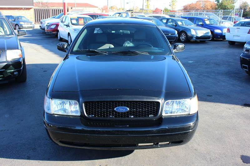 2010 Ford Crown Victoria for sale at BANK AUTO SALES in Wayne MI