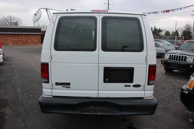2011 Ford E-350 for sale at BANK AUTO SALES in Wayne MI