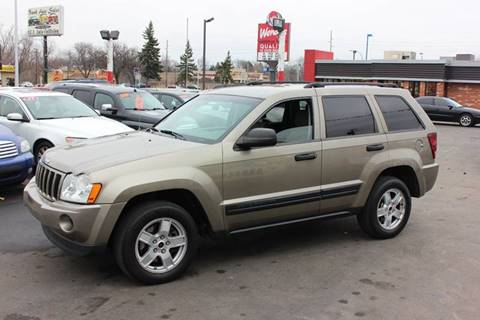 2006 Jeep Grand Cherokee for sale at BANK AUTO SALES in Wayne MI