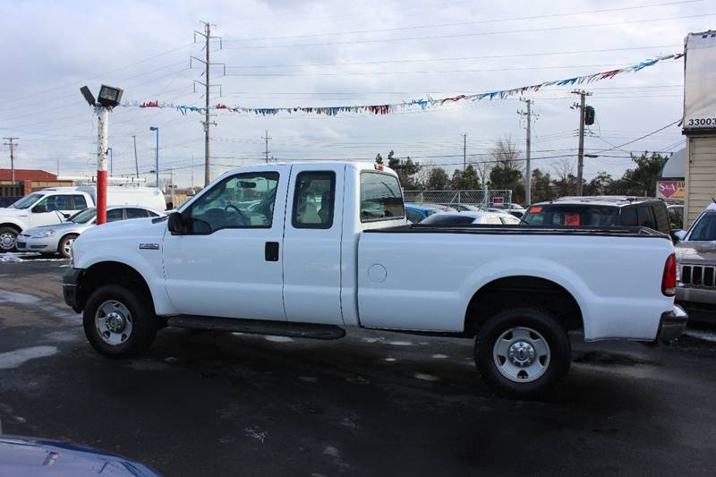 2005 Ford F-250 Super Duty for sale at BANK AUTO SALES in Wayne MI