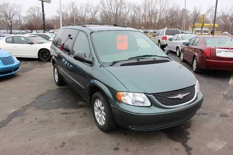 2003 Chrysler Town and Country for sale at BANK AUTO SALES in Wayne MI