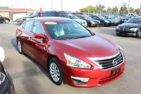 2015 Nissan Altima for sale at BANK AUTO SALES in Wayne MI