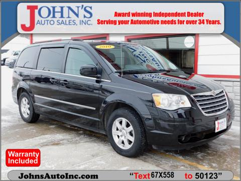 2010 Chrysler Town and Country for sale in Des Moines, IA