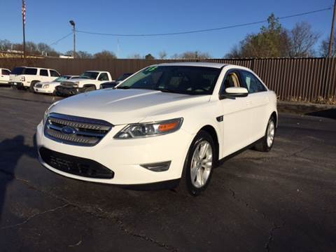 2013 Ford Taurus for sale in Memphis, TN