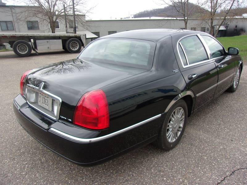 2007 Lincoln Town Car Signature Limited 4dr Sedan In Richland Center