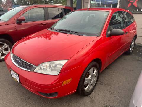 2005 Ford Focus for sale at South Commercial Auto Sales in Salem OR