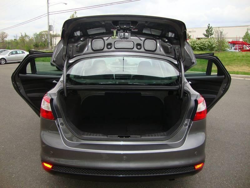 2014 Ford Focus SE 4dr Sedan - Chantilly VA