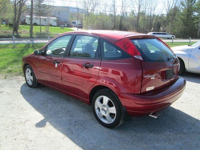 2005 Ford Focus ZX5 SES 4dr Hatchback - Wallingford VT