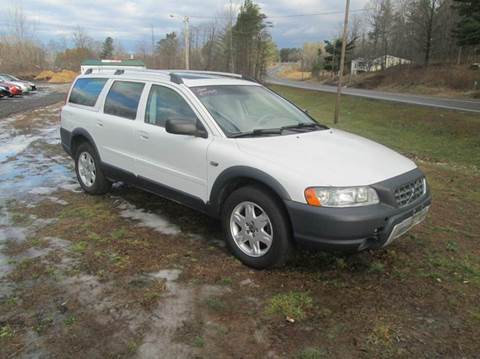 2006 Volvo XC70 for sale at Shaw's Sales & Service in Wallingford VT