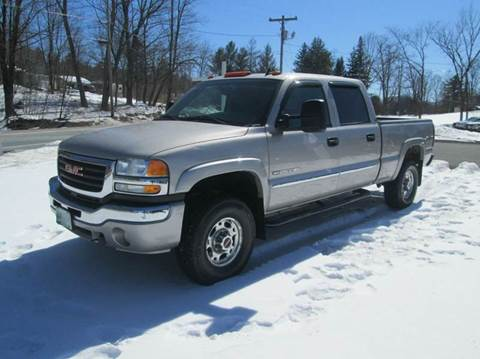 2006 GMC Sierra 2500HD for sale at Shaw's Sales & Service in Wallingford VT
