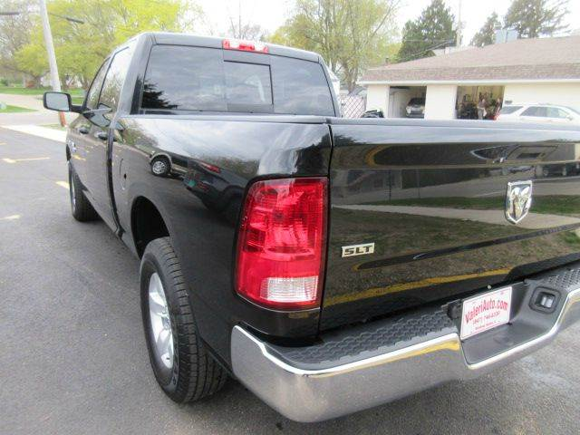 2017 RAM Ram Pickup 1500 4x4 SLT 4dr Crew Cab 6.3 ft. SB Pickup - Winthrop Harbor IL