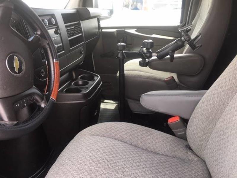 2011 Chevrolet Express Cargo 2500 3dr Cargo Van w/ 1WT In