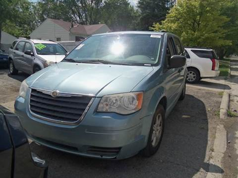 2008 Chrysler Town and Country for sale in Garden City, MI
