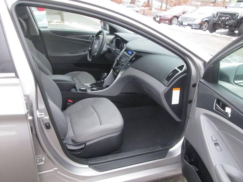 2012 Hyundai Sonata Hybrid 4dr Sedan - Lowell MA