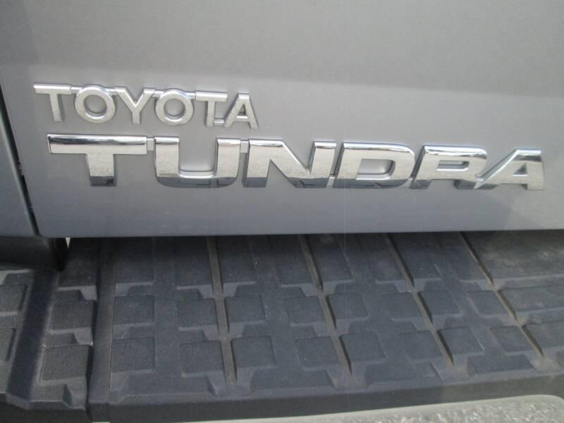 2010 Toyota Tundra 4x4 Grade 4dr Double Cab Pickup SB (4.6L V8) - Lowell MA