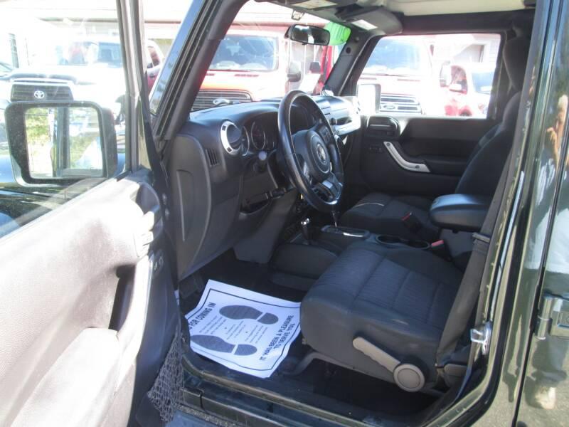 2011 Jeep Wrangler Unlimited 4x4 Sahara 4dr SUV - Lowell MA