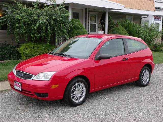Bellevue Ford Dealer >> 2005 Ford Focus ZX3 SE 2dr Hatchback In Bellevue OH - Freedom Auto Mart