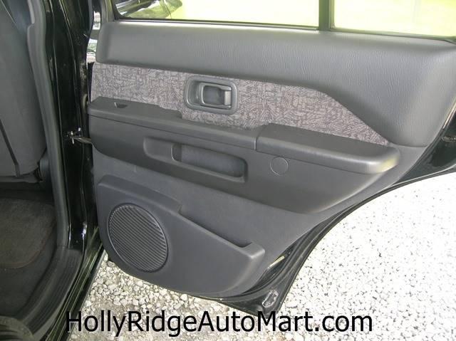 1996 Nissan Pathfinder 4dr XE 4WD SUV - Holly Ridge NC
