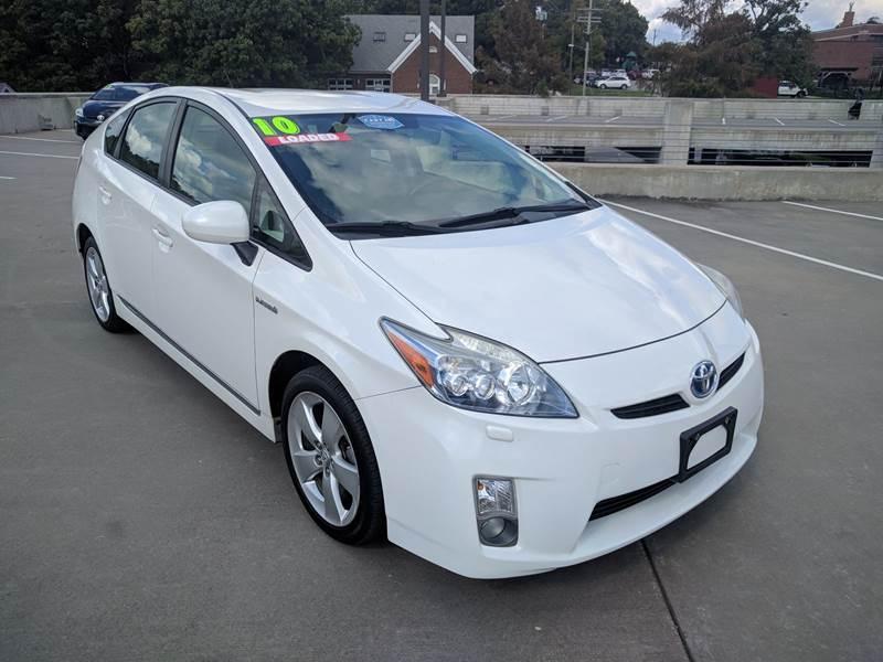 2010 Toyota Prius V 4dr Hatchback   Fayetteville AR