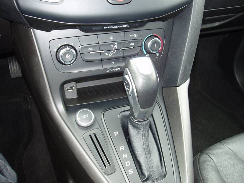 2016 Ford Focus SE 4dr Sedan - Pacific MO