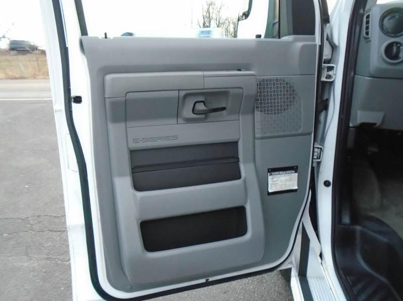 2012 Ford E-Series Wagon E-350 SD XLT 3dr Extended Passenger Van - O` Fallon MO