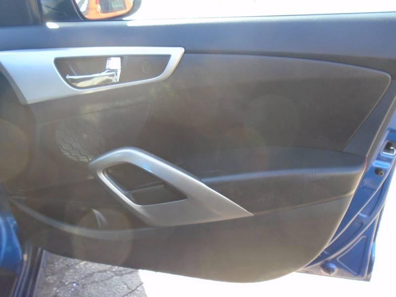 2016 Hyundai Veloster 3dr Coupe DCT w/ BLACK SEATS - O` Fallon MO