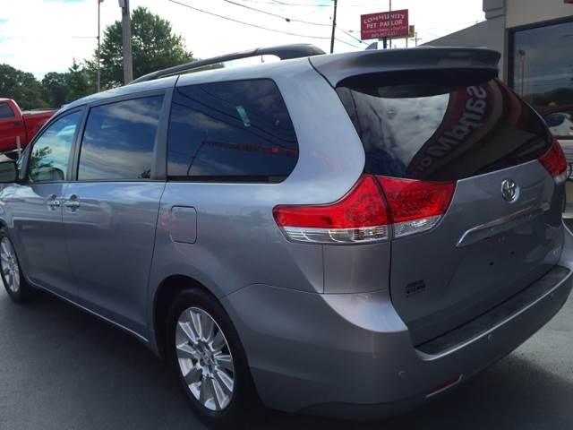 2011 Toyota Sienna Limited 7-Passenger 4dr Mini-Van - Knoxville TN