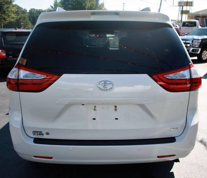 2015 Toyota Sienna XLE Premium 8-Passenger 4dr Mini-Van In