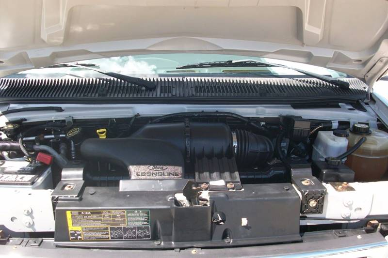 2006 Ford E-Series Wagon E-350 SD XLT 3dr Passenger Van - Muskego WI