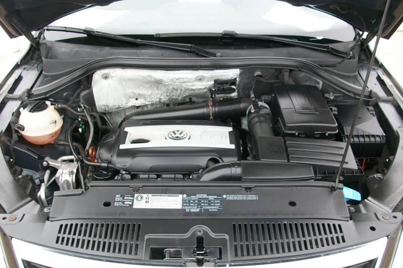 2011 Volkswagen Tiguan SE 4Motion 4dr SUV - Muskego WI