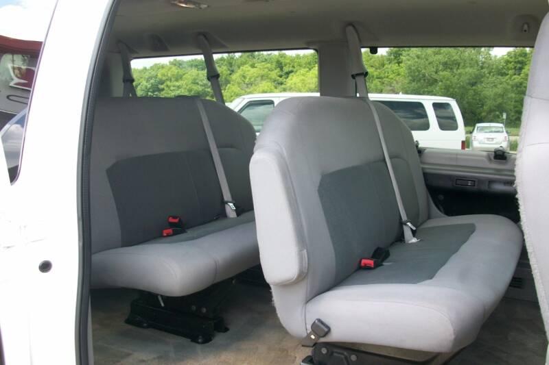 2014 Ford E-Series Wagon E-350 SD XLT 3dr Passenger Van - Muskego WI