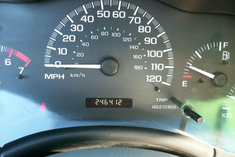 2004 Chevrolet Classic 4dr Sedan - Muskego WI