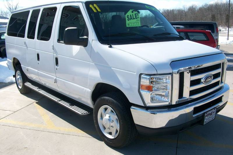 2011 Ford E-Series Wagon E-350 SD XLT 3dr Passenger Van - Muskego WI