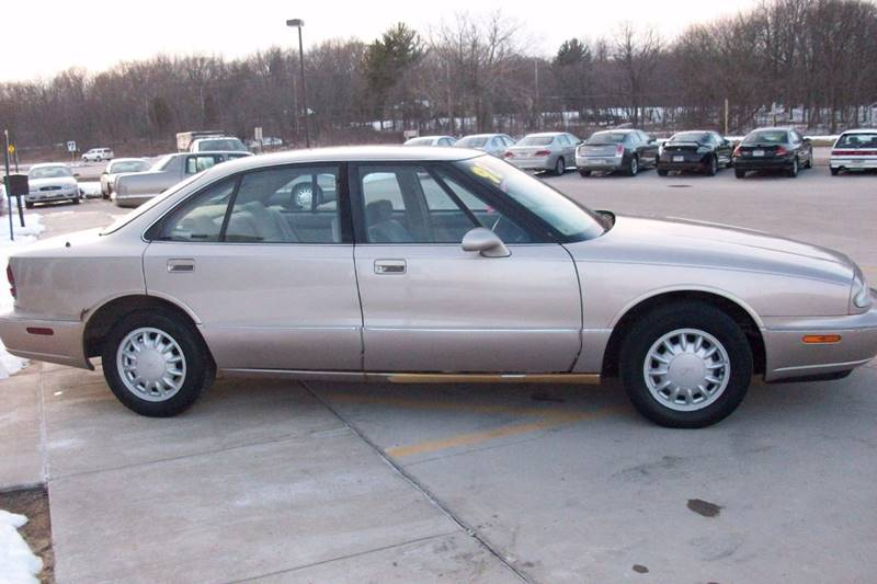 1998 Oldsmobile Eighty-Eight LS 4dr Sedan - Muskego WI