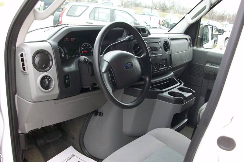 2012 Ford E-Series Wagon E-350 SD XLT 3dr Extended Passenger Van - Muskego WI