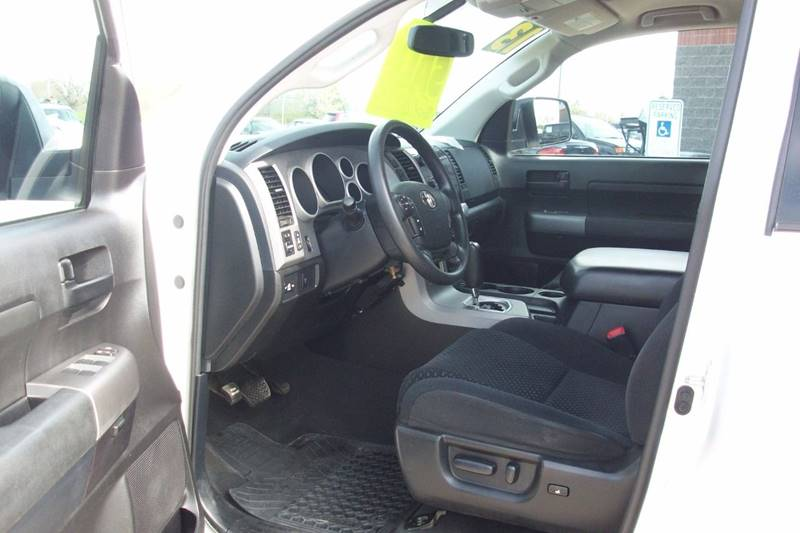 2013 Toyota Tundra 4x4 Grade 4dr Double Cab Pickup SB (5.7L V8) - Muskego WI