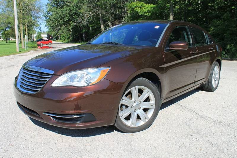 2012 Chrysler 200 Touring 4dr Sedan - Sheboygan WI