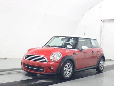 2013 MINI Hardtop for sale at CORPORATE CARS OF WISCONSIN in Sheboygan WI