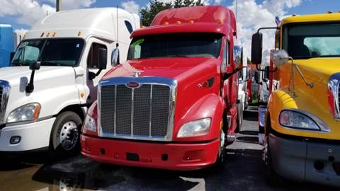 2012 Peterbilt 587 for sale in Orlando, FL