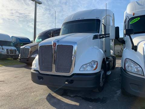 2015 Kenworth T680 for sale in Orlando, FL